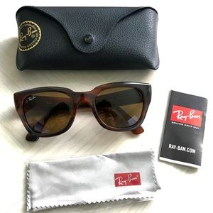Ray-Ban RB4178 Tortoise Classic 52 mm Authentic